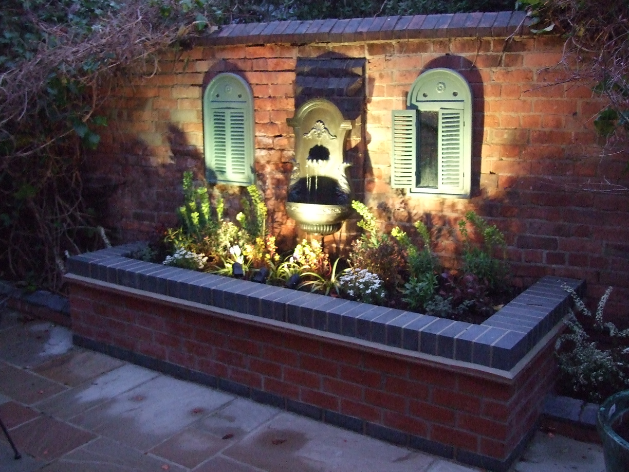 Chris bonham plants nottingham garden design and for Italian courtyard garden design ideas